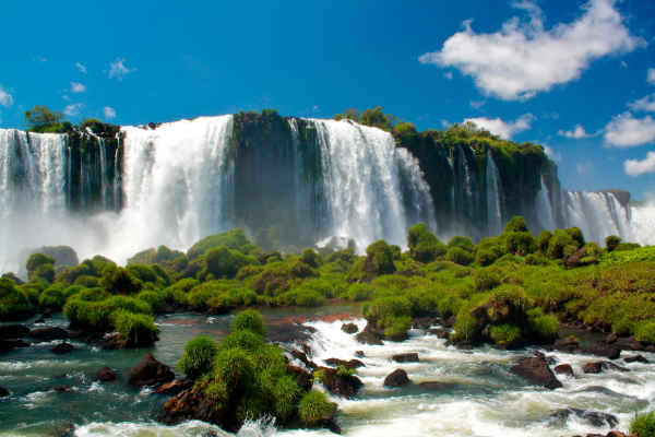 Foz-do-Iguacu-Cataratas-